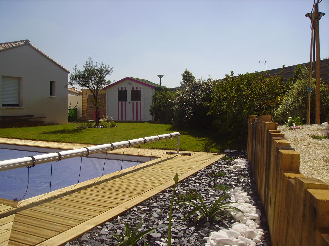 Amenagement autour de la piscine with amenagement autour for Amenagement piscine