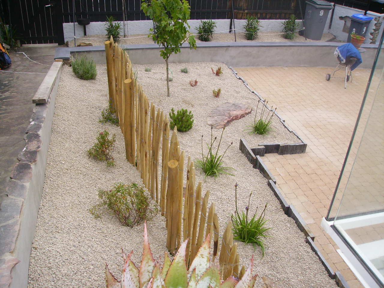 Amenagement talus amenagement talus plantations talus for Amenagement jardin sol